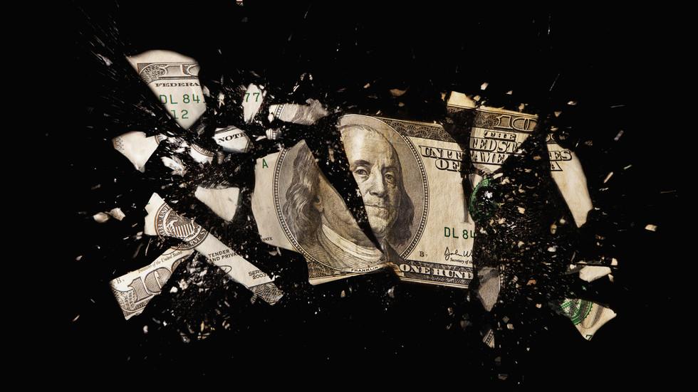 РТ: Избацивање долара: Русија се решила више од 96% свог удела у америчком дугу