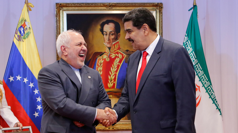 RT: Prvi iranski tanker sa naftom ušao u ekonomsku zonu Venecuele, dok su u blizini primećeni američki brodovi