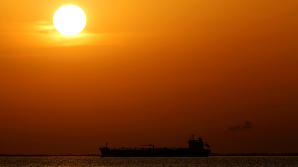 РТ. Последњи ирански танкер стигао до Венецуеле, упркос америчким санкцијама