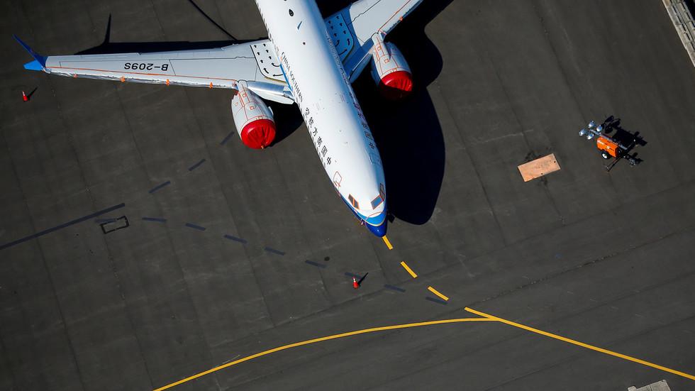 РТ: САД саопштиле да ће блокирати све летове кинеских компанија као одговор на спор око саобраћаја