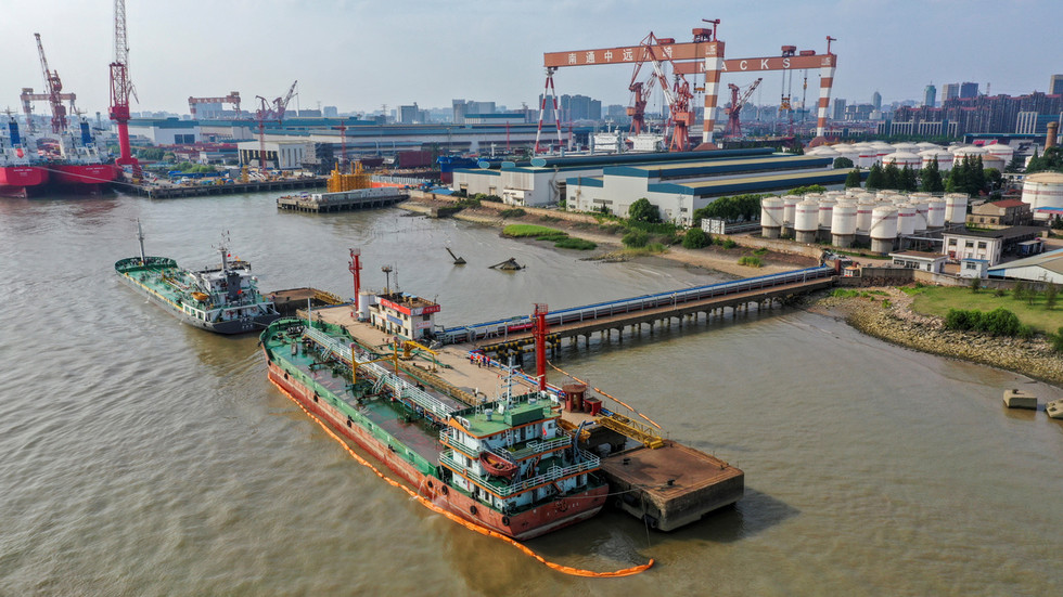 РТ: Кина наставља да увози иранску нафту