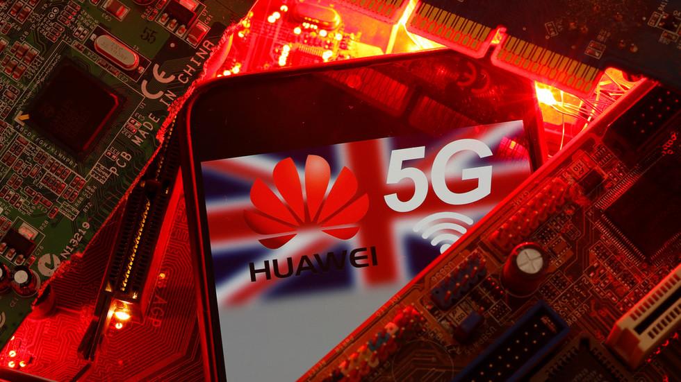 """РТ: Велика Британија почела са уклањањем опреме кинеског """"Хуавеја"""" из система 5G мреже"""