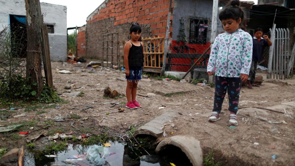 RT: Recesija je završena za najbogatije, dok će milijarde živeti u siromaštvu najmanje deceniju - Oksfam