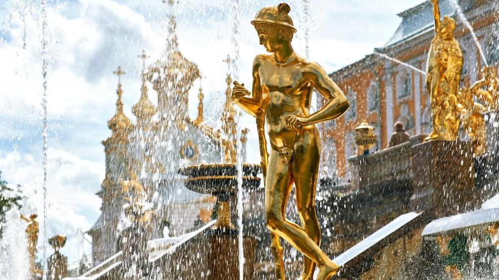 РТ: Руске девизне резерве и даље расту упркос санкцијама и пандемији