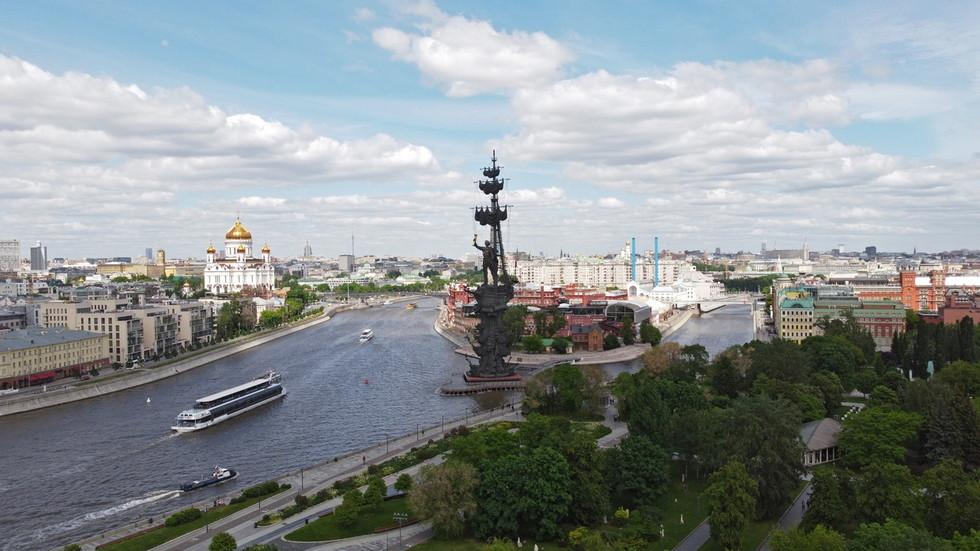 РТ: Руска економија наставља да се опоравља са огромним скоком у мају