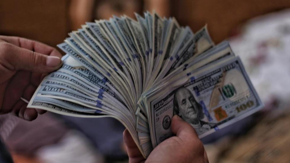 РТ: Глобални статус америчке валуте се смањује јер земље желе да тргују алтернативним валутама, каже гувернер Централне банке Русије