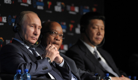 Путин позвао бизнисмене земаља БРИКС да сарађују инвестицијама
