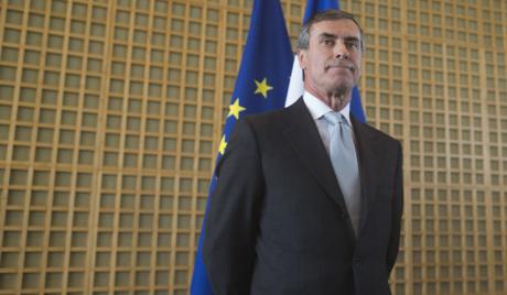 Француски министри почели да откривају своје приходе