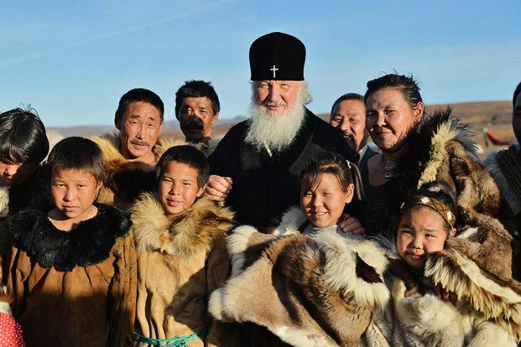 """Интервју """"Искре"""" са патријархом Кирилом: """"Савремени човек пати од акутног недостатка праве љубави…"""""""