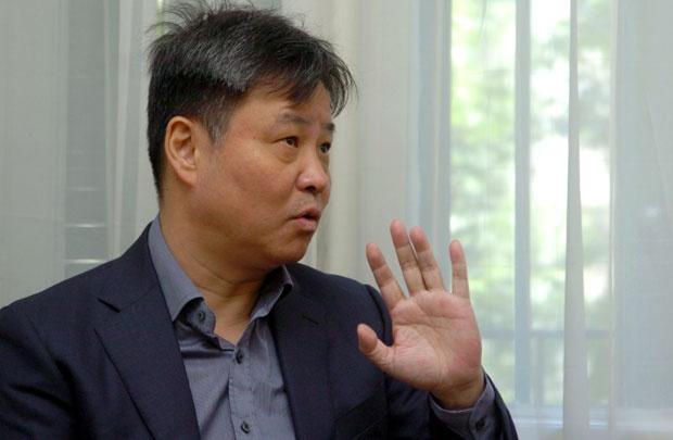 Ју Хуа : Запад нам диктира живот пун предрасуда