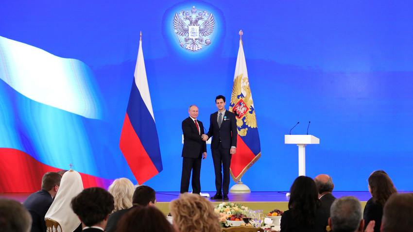 Милош Биковић после примања медаље од Путина: Руси и Срби имају невидљиве споне