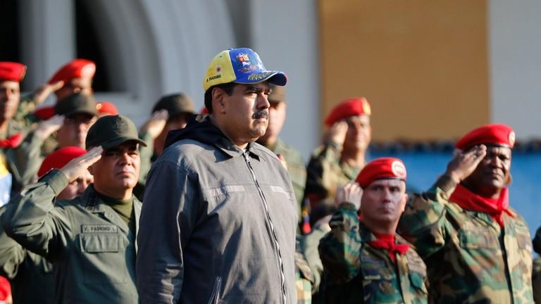 РТ: Нећу допустити да ме историја памти као издајника - Мадуро