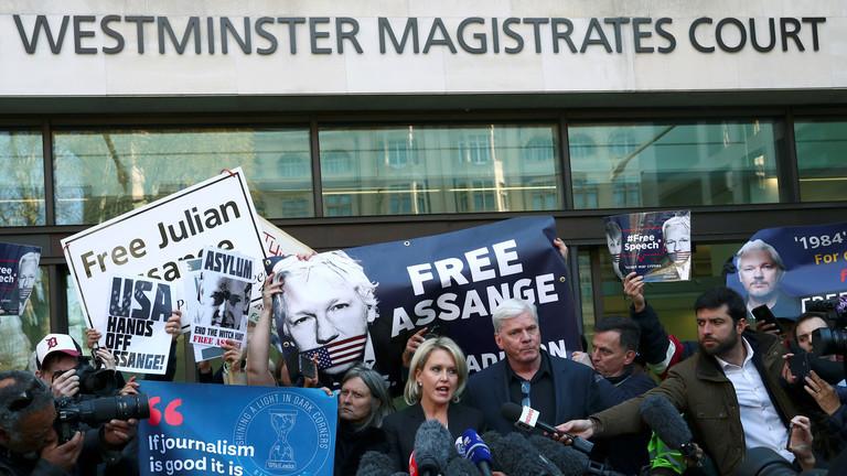 """РТ: """"Срамота ме што сам Енглез"""": Роџер Вотерс осудио Лондон као саучесника америчке империје због Асанжа"""