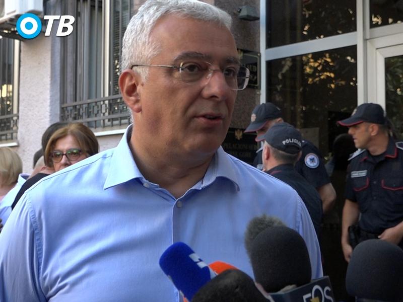 """Mandić: Crnogorski režim dozvolio da crni dvoglavi orao ,,međaši"""" skoro trećinu naše zemlje"""