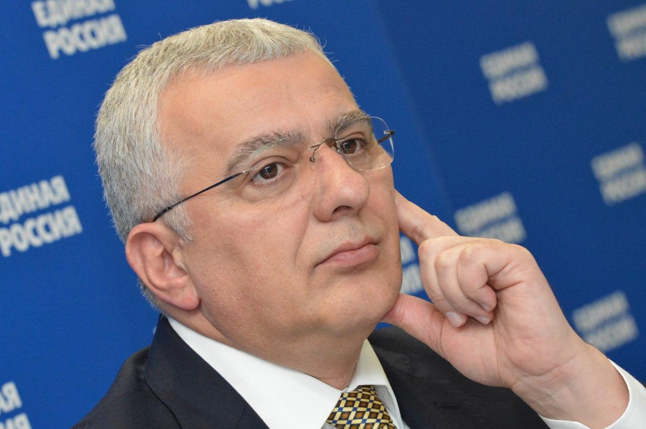 Мандић: Србско јединство и слога су пресудан фактор за многе процесе у региону
