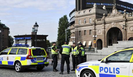 Шведски стручњак о уличним немирима у предграђима Стокхолма