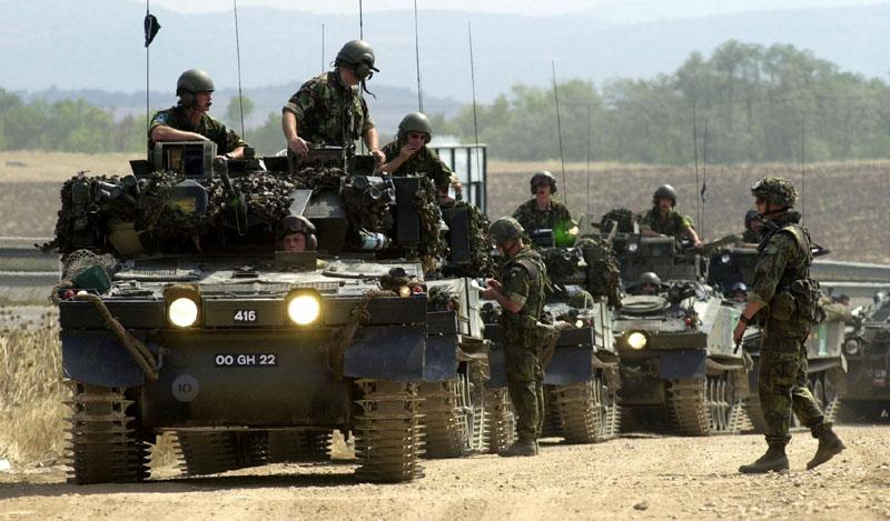 Одлучите се господо: Да ли безбедност на Балкану подривају Срби или Руси?