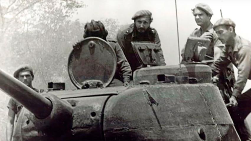 Зашто је Фидел Кастро гранатирао амерички брод из руског тенка