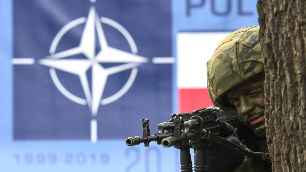 RT: NATO sa 70 godina: Sklerotični i birokratski zombi bi trebalo da budu penzionisan