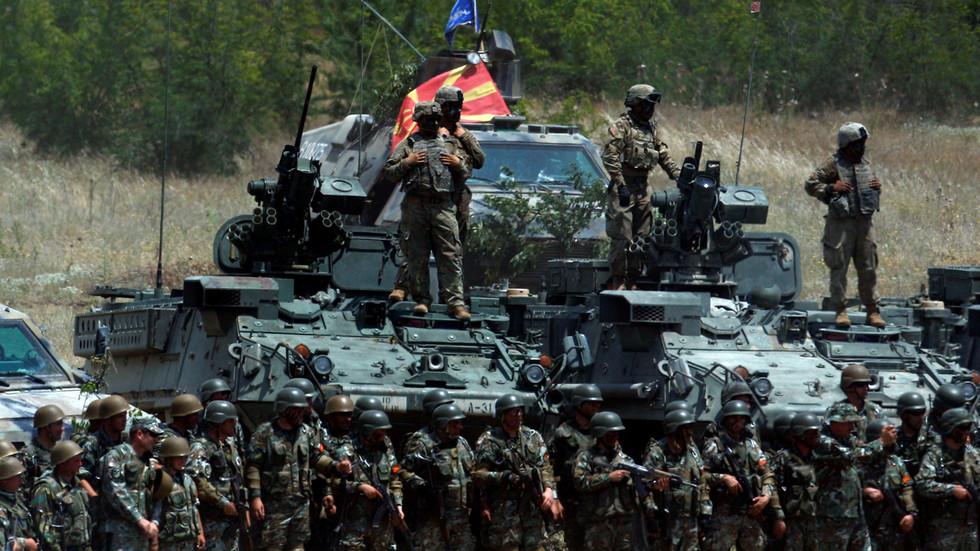 РТ: НАТО се заснива на вредностима, али платите! Шеф Пентагона укорио америчке савезнике или би они требали бити вазали?