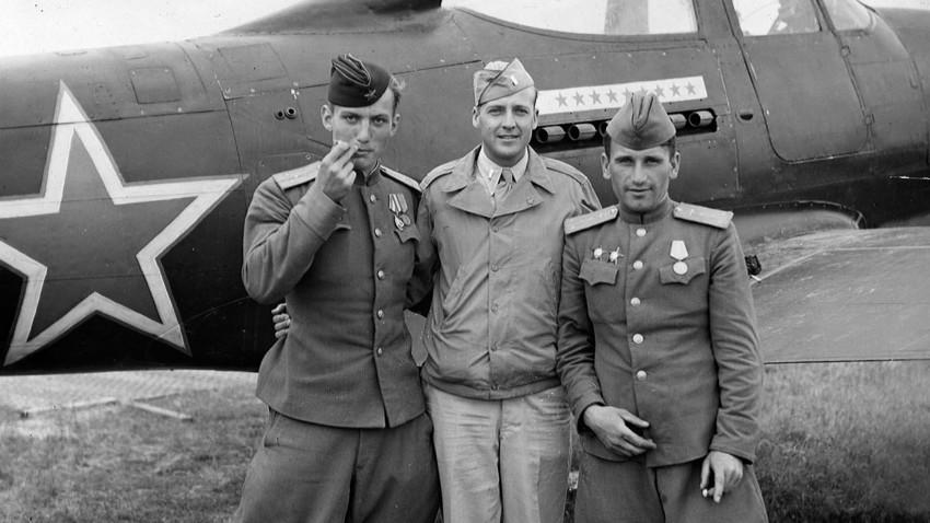 Где су се Совјети, Американци и Британци борили раме уз раме током Другог светског рата?