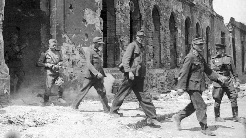 Где се Црвена армија борила против нациста после немачке капитулације?