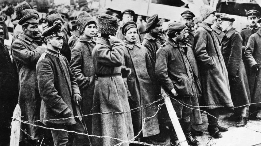 """""""Водила се борба за место на броду"""": Како су милиони Руса бежали из Русије после револуције"""