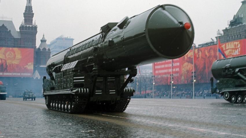 Амери су насели на блеф: Како је СССР плашио Америку џиновским имитацијама оружја
