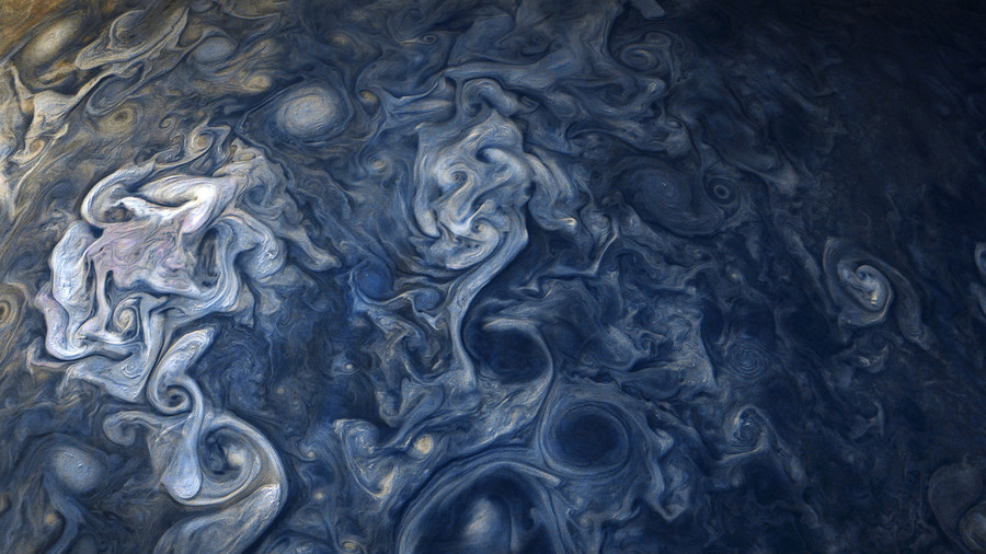 РТ: Забележене невероватне фотографије олује на Јупитеру