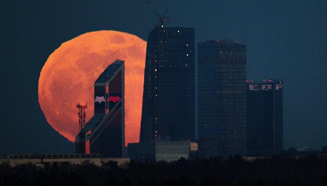 Вечерас потпуно помрачење Месеца