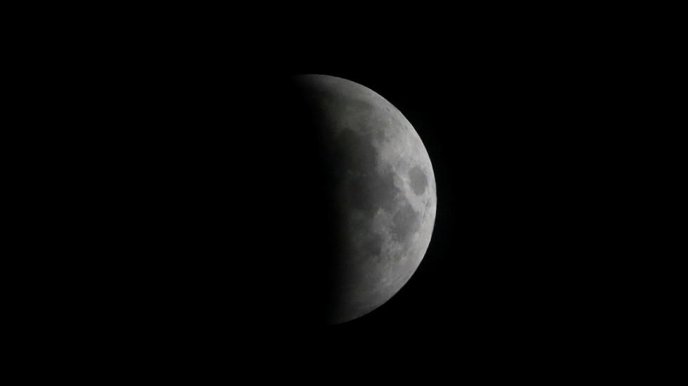 РТ: Наћемо се на тамној страни Месеца: Кина покренула историјску истраживачку мисију
