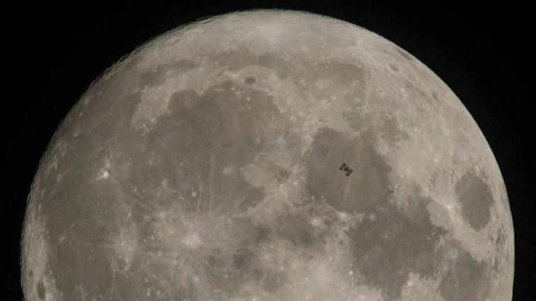 """РТ: """"Овај пут ћемо остати"""": НАСА најављује планове за повратак на Месец"""