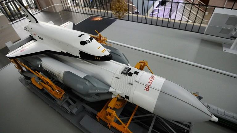 """РТ: """"Преобликовање космичког тржишта"""": Русија размишља о изградњи летелице на нуклеарни погон"""