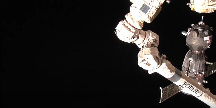"""""""Сојуз"""" пристао на Међународну космичку станицу"""