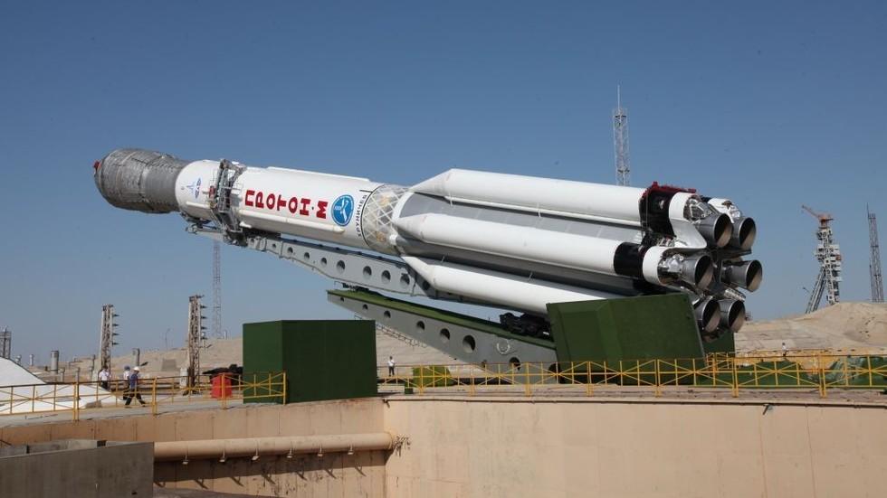"""РТ: """"Нелојална конкуренција"""": """"Роскосмос"""" осудио забрану Пентагона за коришћење руских ракета и сателита"""