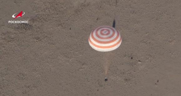 Посада МКС-а успешно слетела на Земљу