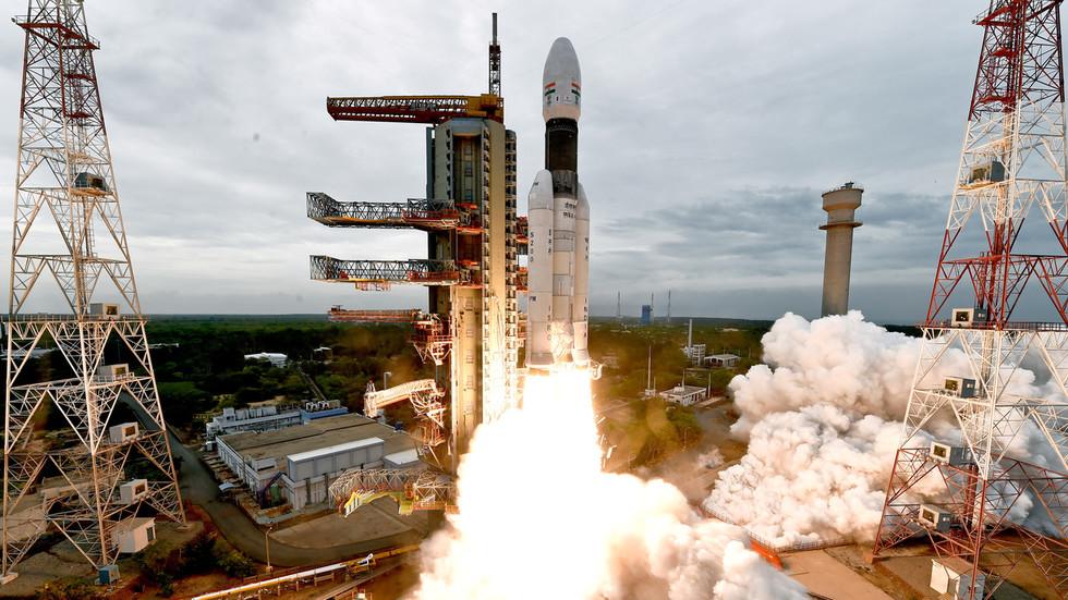РТ: Кина нуди Индији заједничко истраживање Месеца, те честита успешан почетак лунарне мисије