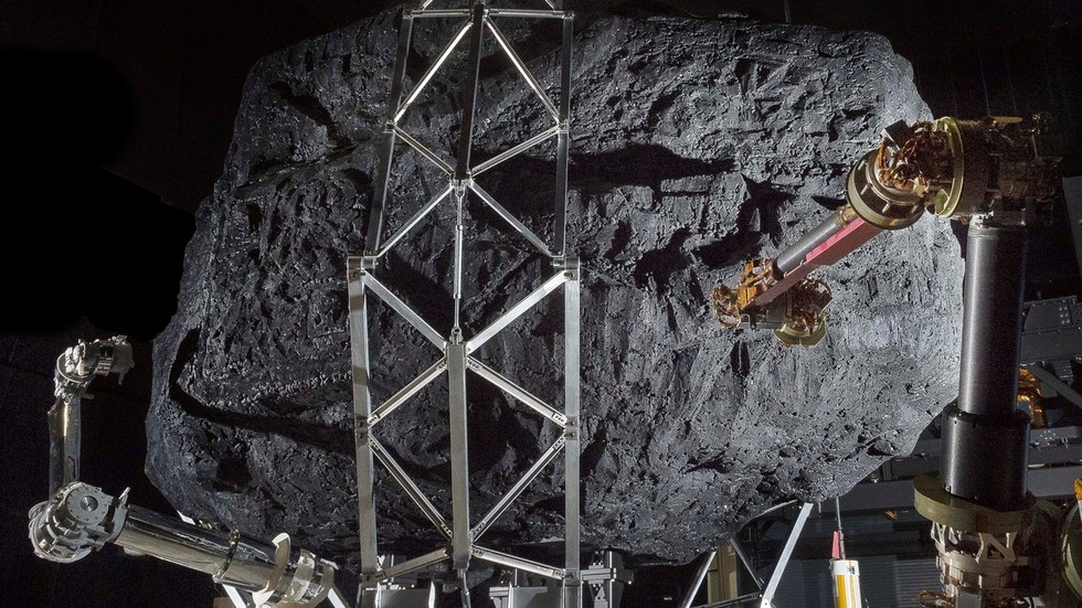 РТ: Ванземаљске сонде осматрају Земљу? Научник упозорава на могуће шпијуне у нашем Сунчевом систему