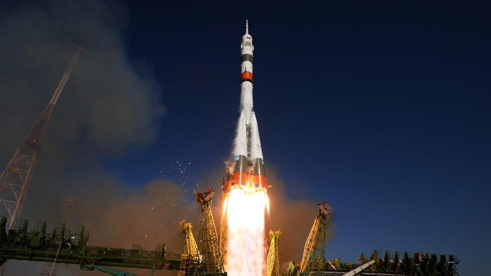 """РТ: Двочасовно путовање у космос: """"Сојуз"""" ће летети до МКС-а три пута брже"""