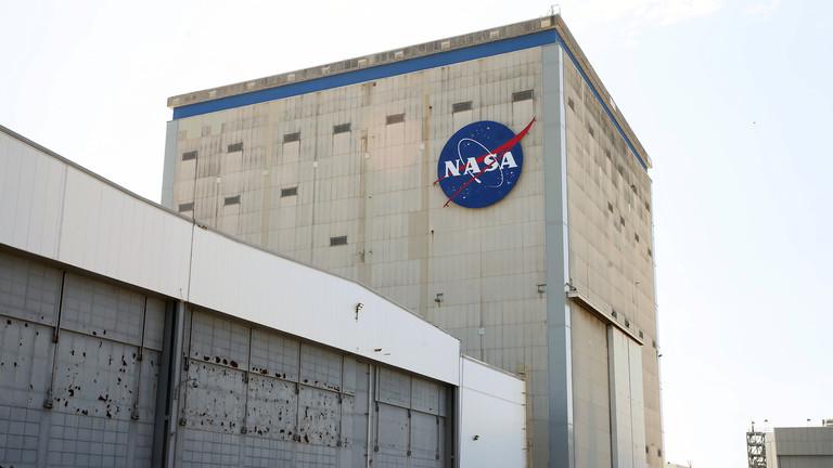 RT: NASA zatvara još dbva objekta zbog virusa, dovedena u pitanje misija na Mesec