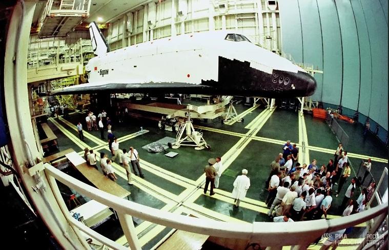 """Русија почела рад на стварању новог космичког брода - наследника """"Бурана"""""""