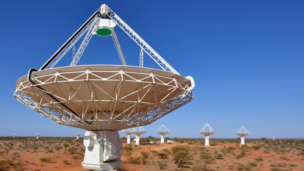 RT. Astronomi primetili četiri tajanstvena, neindentifiokvana kružna objekta u kosmosu