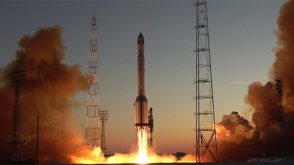 Рогозин: Русија активно ради на изради мотора који ће омогућити слање тешких летелица у далеки космос