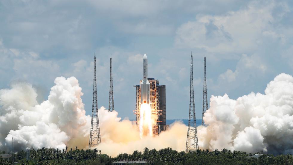 РТ: Кина успешно покренула своју прву мисију истраживања Марса