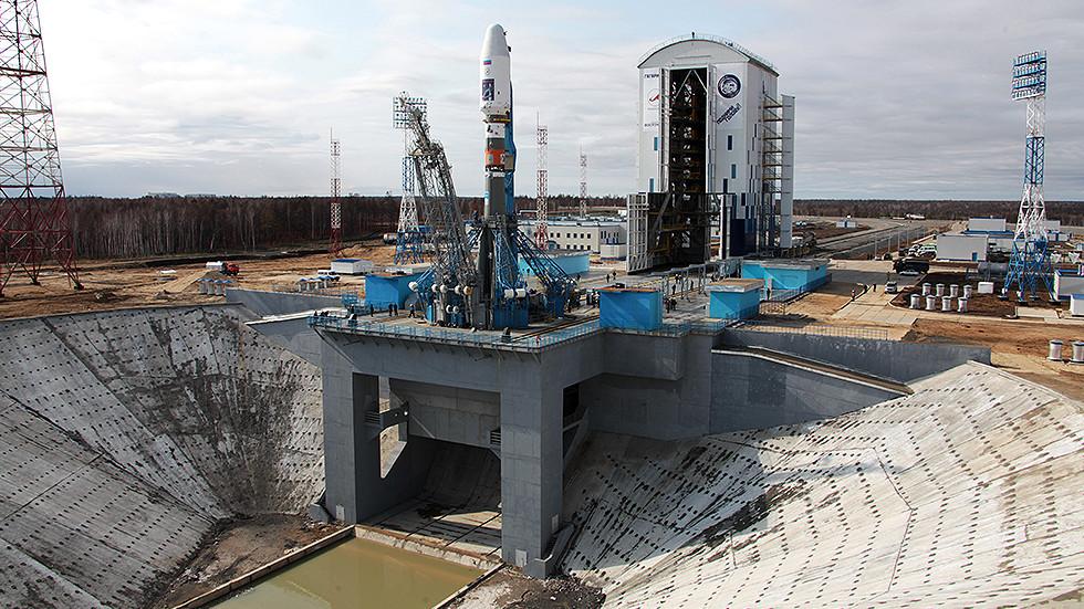 """РТ: """"Корак у правом смеру"""": Илон Маск похвалио Роскосмос због планова за стварање ракете за вишекратну употребу"""