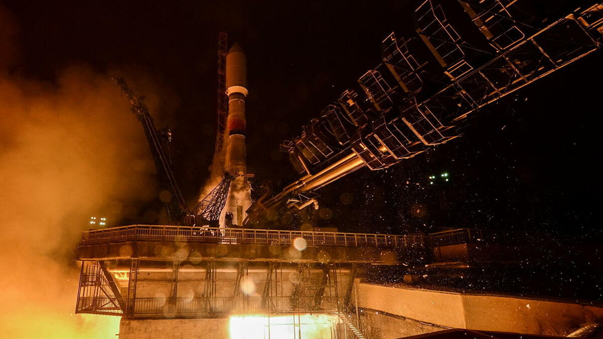 "Sa kosmodroma Pleseck lansirana raketa-nosač ""Sojuz-2.1b"" sa satelitom"