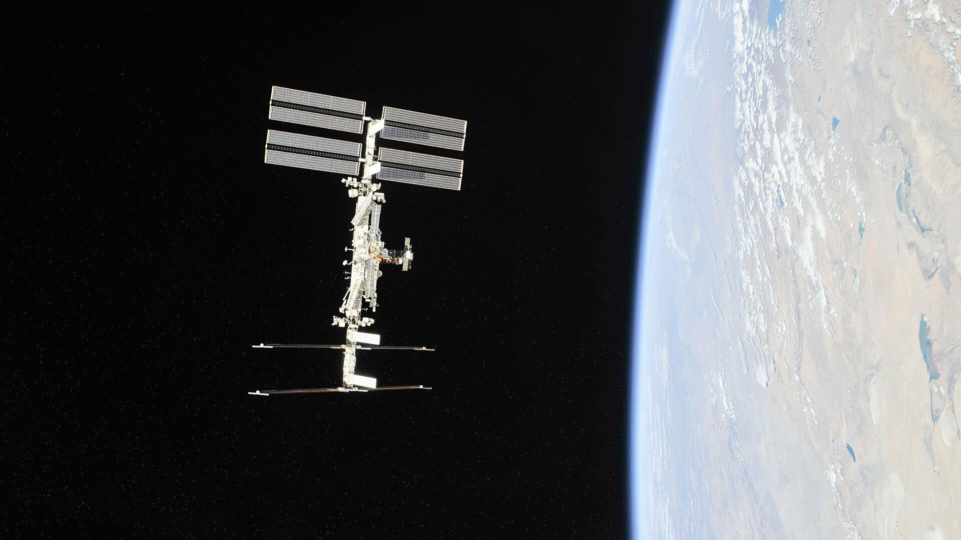 """""""Роскосмос"""" склопио уговор за развој космичког нуклеарног тегљача за летове на Месец"""