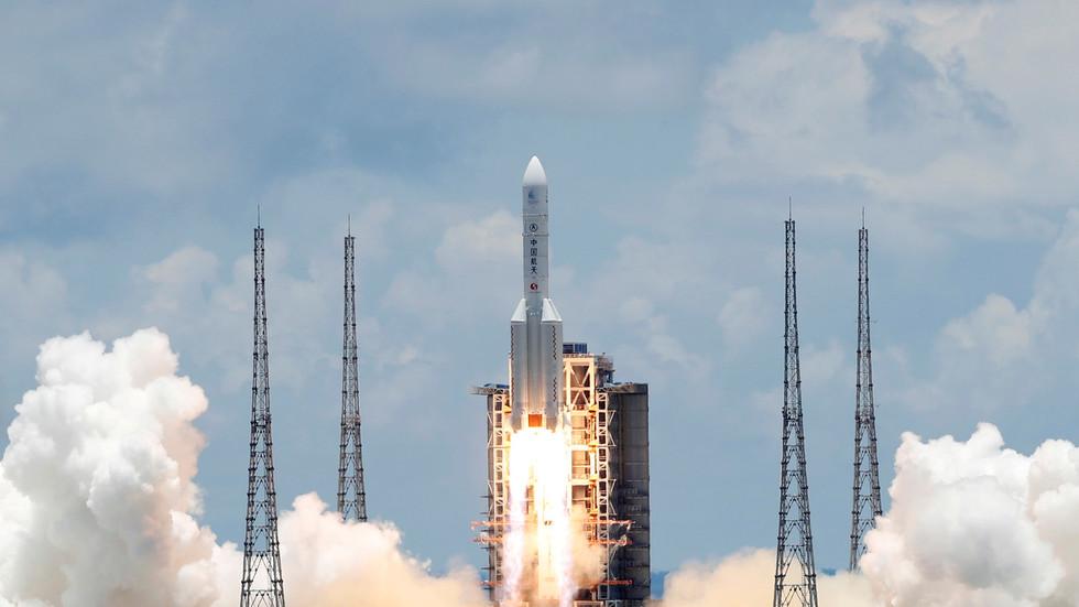 РТ: Кина лансирала летелицу способну за уклањање космичког отпада