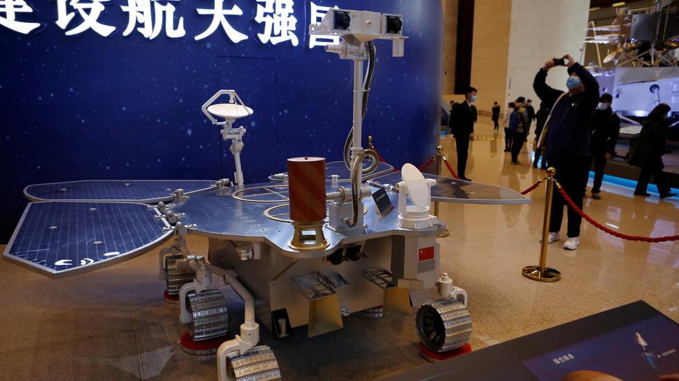 RT: Kineska letelica sletela na Mars u planiranoj zoni u prvoj misiji Pekinga na Crvenu planetu