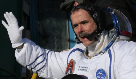 Повратак три астронаута са Међународне космичке станице одложено за један дан